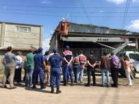 AĞIR YARALI - Fabrikada Akıma Kapılan İşçi Hayatını Kaybetti