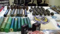 KESKİN NİŞANCI - Hakkari'de Teröristlere Ait Silah Ve Mühimmat Ele Geçirildi