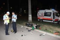 MUAMMER AKSOY - Hatay'da Elektrikli Bisiklet İle Otomobil Çarpıştı Açıklaması 1 Yaralı
