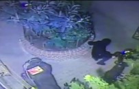 HIRSIZ - (Özel) Şişli'de Motosikleti Çalabilmek İçin Yerlere Yatan Hırsızlar Kamerada