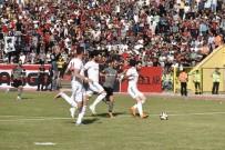 UŞAKSPOR - TFF 2. Lig Açıklaması UTAŞ Uşakspor Açıklaması3 - Manisaspor Açıklaması0