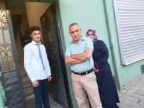 Ahmet Okullu Olmadı, Evde Kaldı