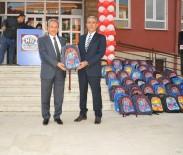 KIRTASİYE MALZEMESİ - Akşehir Belediyesinden 2 Bin 500 Çanta Ve Kırtasiye Seti