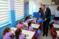 Başkan Işık, Birinci Sınıflara İlköğretim Paketi Hediye Etti