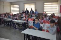 Çevik, 'Öğrencilere Kitaplarını Teslim Ettik'