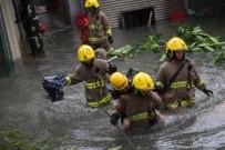 HONG KONG - Çin'i Vuran Mangkhut Tayfununda Bilanço Artıyor Açıklaması 4 Ölü, 200 Yaralı