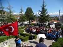 Domaniç'te Öğrenciler İlk Dersini Hayme Ana Türbesi'nde Yaptı