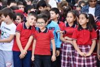 Dursunbey'de Okula Yeni Başlayan Öğrencilere Sürpriz