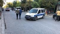 Kağızman'da Sokak Ortasında Silahlı Saldırı