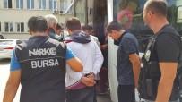 UYUŞTURUCU TİCARETİ - Okuldaki Öğrencilere Satacakları Haplarla Yakalandılar