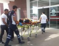 ATATÜRK BULVARI - Otomobil Yayaya Çarpıp Kaçtı Açıklaması 1 Yaralı