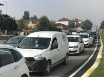Sakarya'da Okullar Açıldı Trafik Durma Noktasına Geldi
