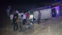 ACIL SERVIS - Şanlıurfa'da Trafik Kazası Açıklaması 7 Yaralı