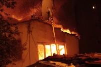 GECEKONDU - Şişli'de Gecekondu Alev Alev Yandı
