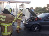 Alev Alan Otomobili İtfaiye Ekipleri Söndürdü