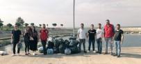 GENÇLİK VE SPOR İL MÜDÜRÜ - Deniz Kıyısından Bir Saatte 13 Büyük Poşet Çöp Topladılar