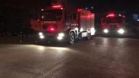 GÜVENLİK ÖNLEMİ - Eğlence Mekanının Bulunduğu Binada Çıkan Yangın Korkuttu