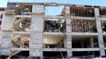 Elazığ'da İnşaatta Çökme Açıklaması 2 Yaralı