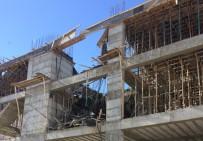 Elazığ'da İnşaatta Kalıp Çöktü Açıklaması2 Yaralı