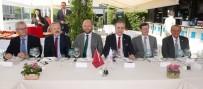 KARAKAYA - Galatasaray İle Lokomotiv Moskova Yöneticileri Yemekte Bir Araya Geldi
