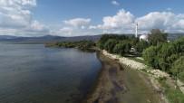 Hızla Çekilen İznik Gölü Havadan Görüntülendi