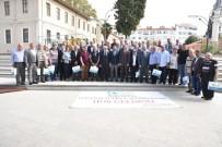 İzmit'te 41 Yılını Dolduran Esnaflar Plaketle Ödüllendirildi