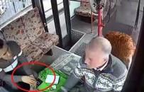 SABIKA KAYDI - Kaşla Göz Arasında Otobüs Sürücüsünün Telefonunu Çaldı