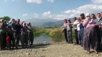 MENDERES NEHRİ - 'Kiraz'ın Kanalizasyonu 25 Yıldır Köyümüzün İçinden Akıyor'