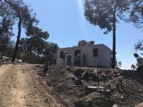 Kumluca'daki Yangında Evi Yanan İki Aileye Konteyner Ev Verildi