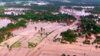 ŞİDDETLİ YAĞIŞ - Laos'u Tropikal Fırtınalar Vurdu Açıklaması 55 Ölü, 100 Kayıp