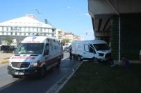 Manavgat'ta Trafik Kazaları Açıklaması 3 Yaralı