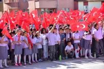 SERKAN YILDIRIM - Miniklerin 'Hep Seninleyiz Türkiye' Marşıyla Yaptıkları Gösteri Büyük Beğeni Topladı