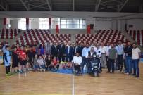 GENÇLİK VE SPOR İL MÜDÜRÜ - Muş'ta Amatör Spor Kulüplerine Malzeme Dağıtımı