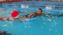 ALTIN MADALYA - 'Özel Çocuklara Yüzmeyi Öğretince Çok Mutlu Oluyoruz'