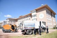 OKUL BAHÇESİ - Selçuklu'da Okul Bahçeleri Temizlendi