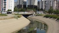 SULAMA KANALI - Sulama Kanalındaki Kötü Koku Mahalleliyi Bıktırdı