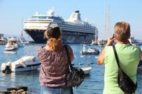 TURİZM CENNETİ - 3 Bin Turist Bir Anda Bodrum'a Akın Etti