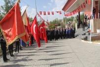 SAYGI DURUŞU - Başkale'de 19 Eylül Gaziler Günü  Kutlandı