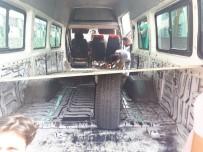 Erciş'te 2 Ayrı Minibüste 15 Bin 146 Paket Kaçak Sigara Ele Geçirildi