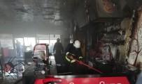 Erciş'te İşyeri Yangını Maddi Hasara Neden Oldu