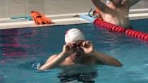GÖRME ENGELLİ - Görme Engelli Yüzücü, Dünyasını Madalyalarla Aydınlatıyor