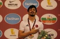 ALTIN MADALYA - Kerem Kamal, Dünya Şampiyonu