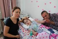 MEDIKAL - Kızlarının Ölümünü Beklerken Okul Kaydı Gelen Aileden Gözyaşartan Davranış