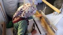 Meraklıları İçin 'Antika Bez' Üretiyor