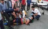 Motosiklet Kamyonete Çarptı Açıklaması 1 Yaralı