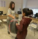 KIRTASİYE MALZEMESİ - Nilüfer Belediyesi'nden Öğrencilere Kırtasiye Yardımı