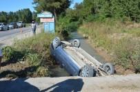 Otomobil Sulama Kanalına Uçtu Açıklaması 4 Yaralı
