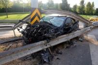 EDİRNE - (Özel) Bayrampaşa'da Lüks Otomobil Trafik Levhasına Saplandı; 1 Yaralı