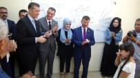 (Özel) 'Memleket İsterim' Şiirini Okuyan Suriyeli Öğrenci Bakan Selçuk'u Duygulandırdı