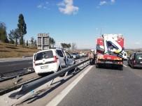 (Özel) TEM'de Trafiği Kilitleyen Kaza Açıklaması4 Yaralı